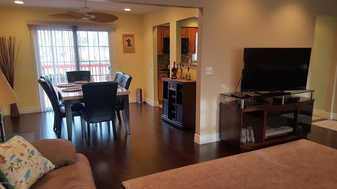 Additional photo for property listing at 15 Bark Road  Brick, Nueva Jersey 08723 Estados Unidos