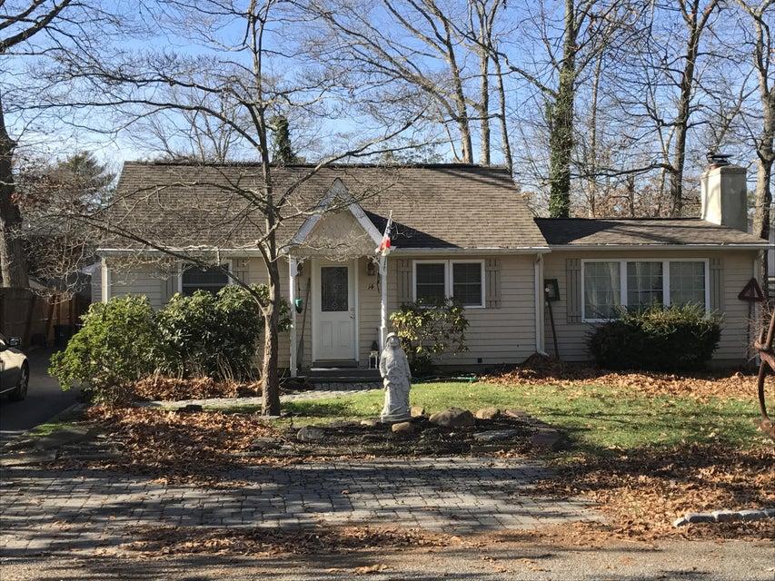 Maison unifamiliale pour l Vente à 14 Chestnut Street Waretown, New Jersey 08758 États-Unis