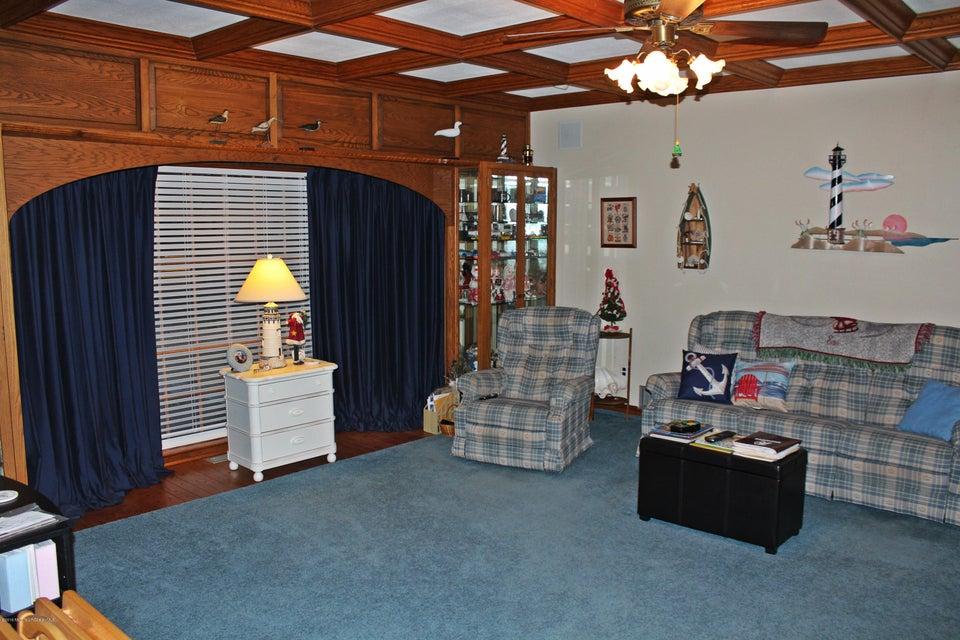 Additional photo for property listing at 734 Springfield Avenue  Pine Beach, Nueva Jersey 08741 Estados Unidos