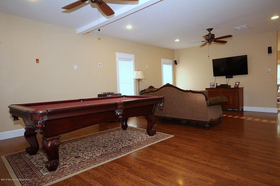 Additional photo for property listing at 396 Main Street  Manahawkin, New Jersey 08050 United States