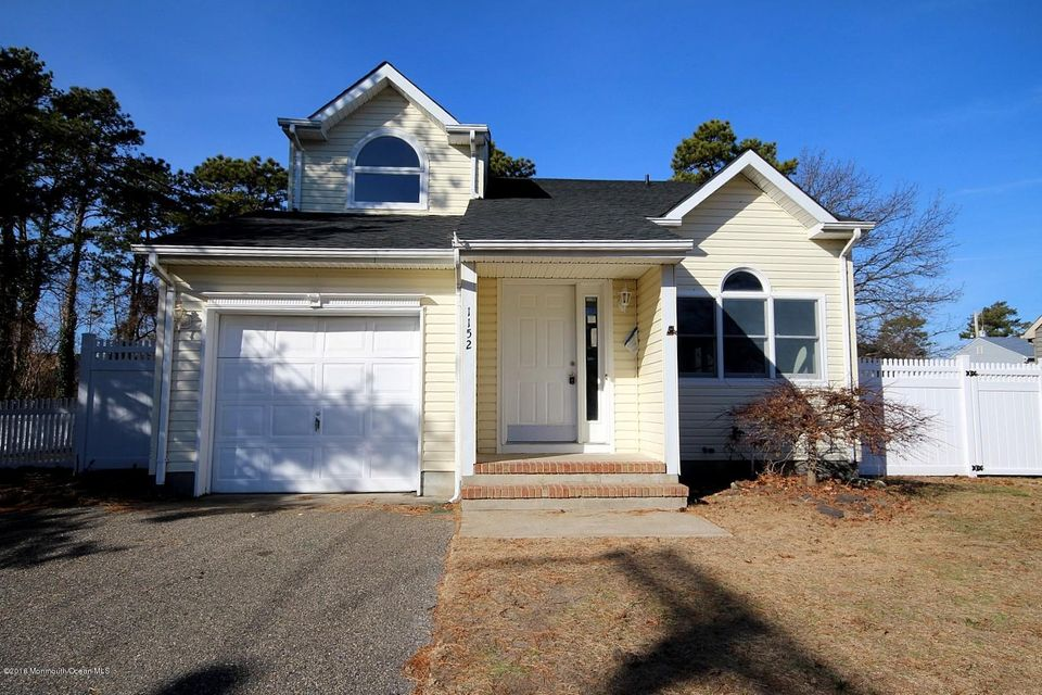 Additional photo for property listing at 1152 Neptune Avenue  Beachwood, New Jersey 08722 États-Unis