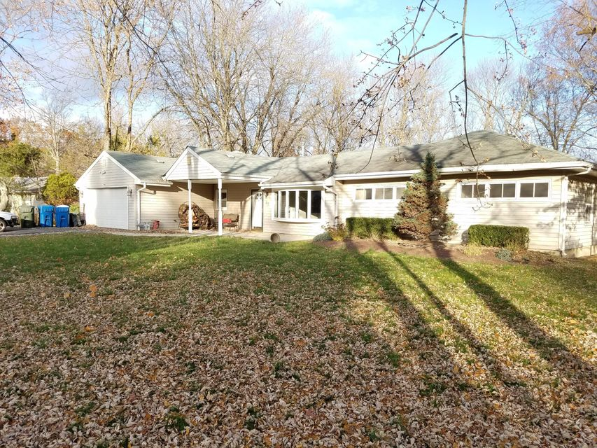 Additional photo for property listing at 67 Branford Circle  Tinton Falls, Nueva Jersey 07724 Estados Unidos