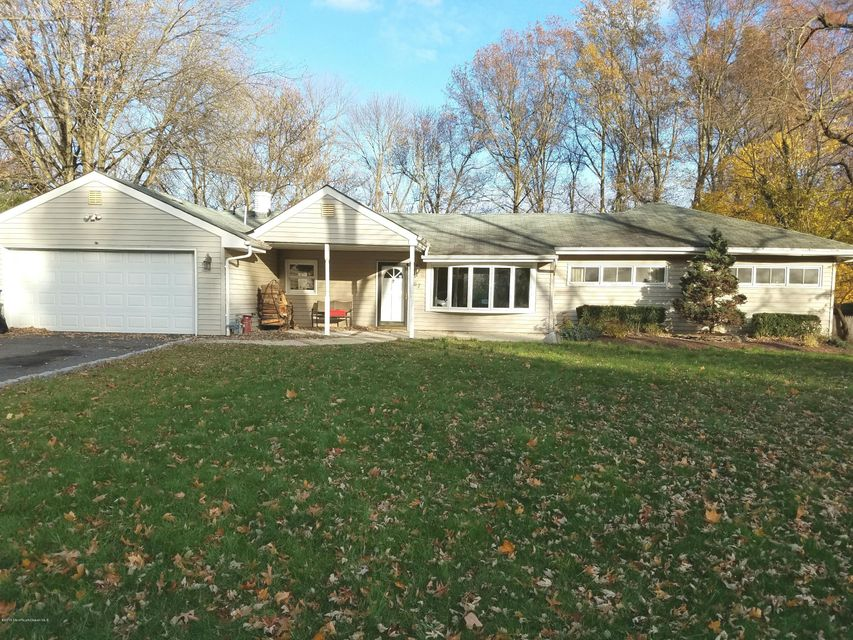 Additional photo for property listing at 67 Branford Circle  Tinton Falls, New Jersey 07724 United States
