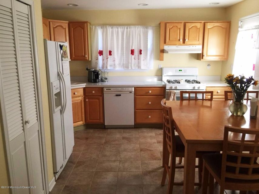 Additional photo for property listing at 28 Kremer Avenue  Eatontown, Nueva Jersey 07724 Estados Unidos