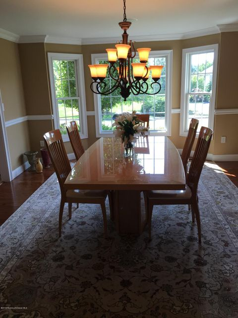 Additional photo for property listing at 18 Yellow Brook Road  Holmdel, New Jersey 07733 États-Unis