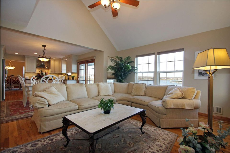 Additional photo for property listing at 143 Glimmer Glass Circle  Manasquan, New Jersey 08736 United States