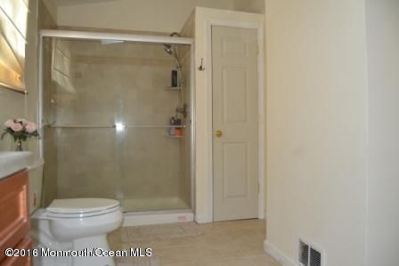 Additional photo for property listing at 908 Windward Avenue  Beachwood, New Jersey 08722 United States