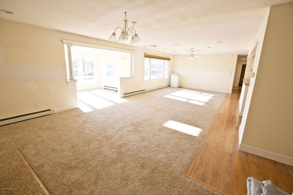 Additional photo for property listing at 685 Carroll Fox Road  布里克, 新泽西州 08724 美国