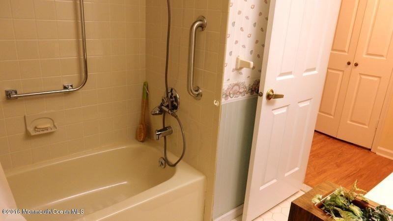 Additional photo for property listing at 23 Mansfield Drive  Brick, Nueva Jersey 08724 Estados Unidos