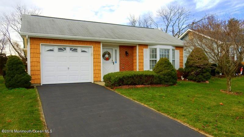 Maison unifamiliale pour l Vente à 23 Mansfield Drive Brick, New Jersey 08724 États-Unis