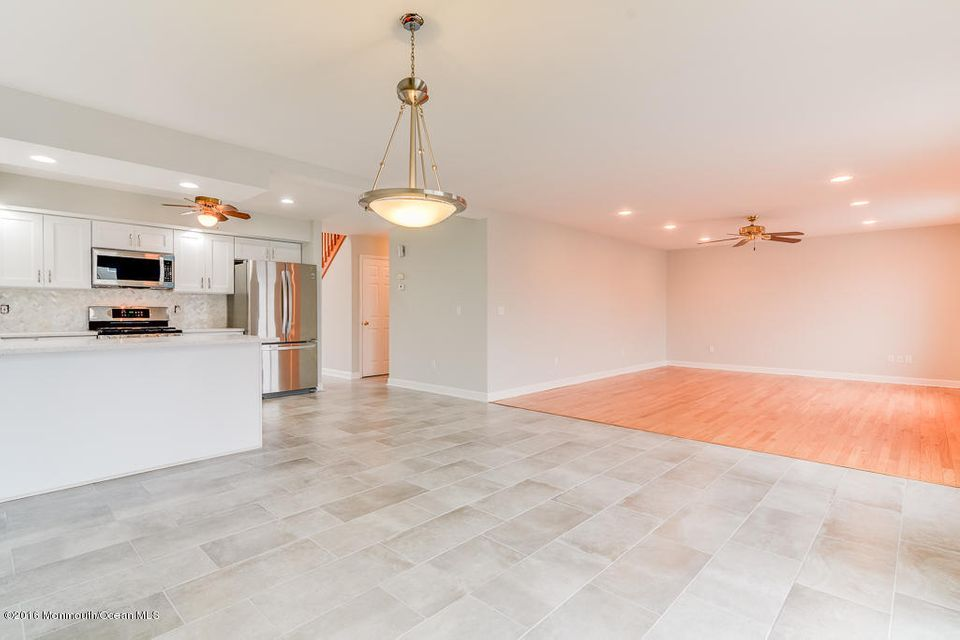 Additional photo for property listing at 44 Coral Drive  Brick, Nueva Jersey 08723 Estados Unidos