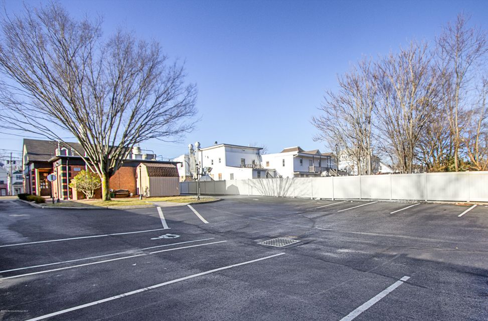 Additional photo for property listing at 25 Railroad Avenue  Jamesburg, 新泽西州 08831 美国
