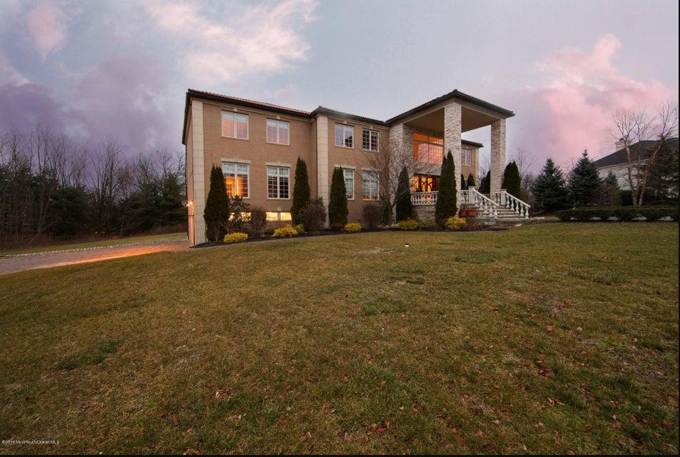 Maison unifamiliale pour l Vente à 14 Hixon Terrace Holmdel, New Jersey 07733 États-Unis