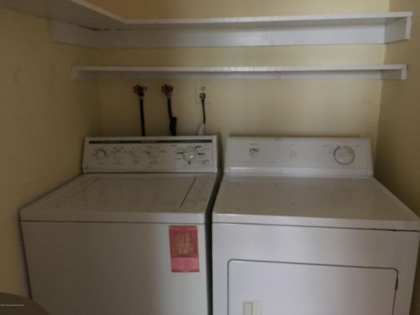 Additional photo for property listing at 120 Amberly Drive  Manalapan, New Jersey 07726 États-Unis