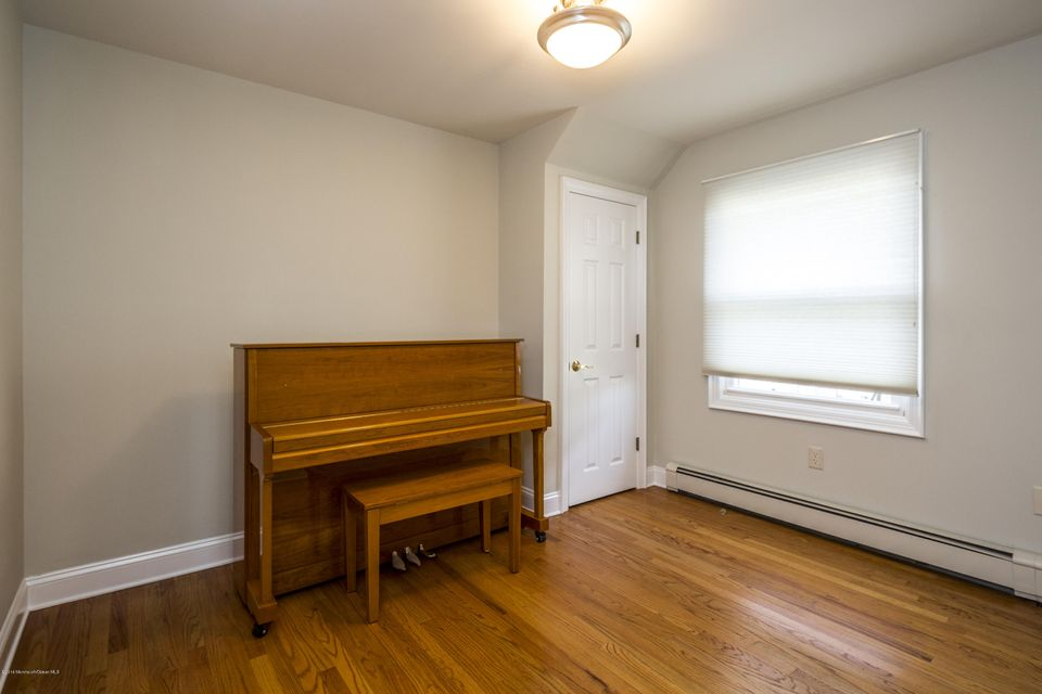 Additional photo for property listing at 41 White Street  Long Branch, New Jersey 07740 États-Unis