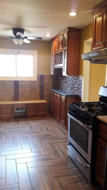 Additional photo for property listing at 1 Hunt Road  Franklin, New Jersey 08873 United States