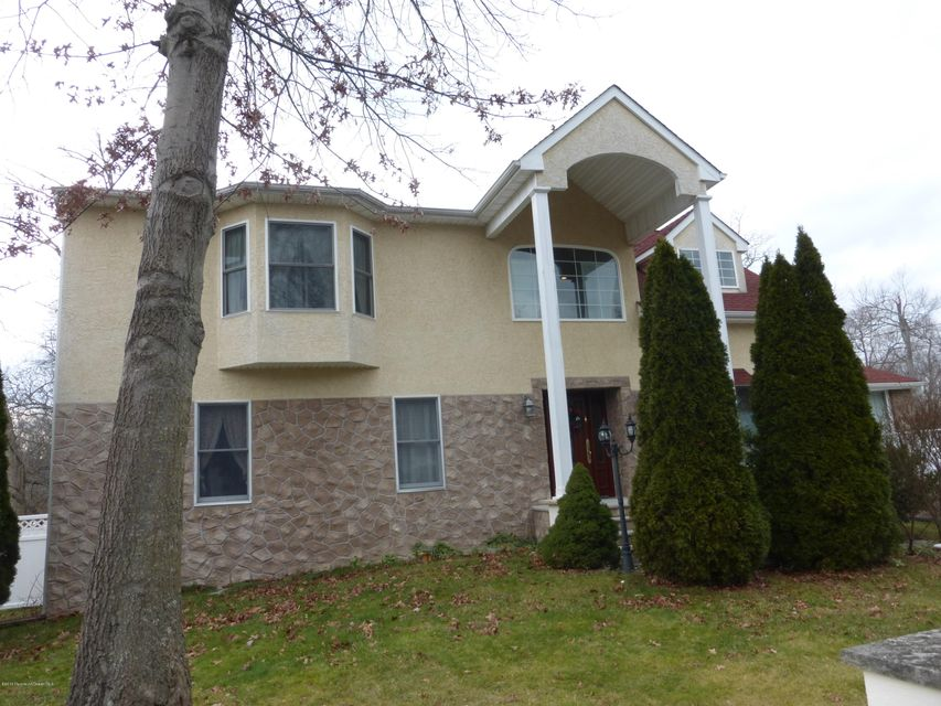 独户住宅 为 销售 在 718 Fountain Place 尼普顿, 新泽西州 07753 美国