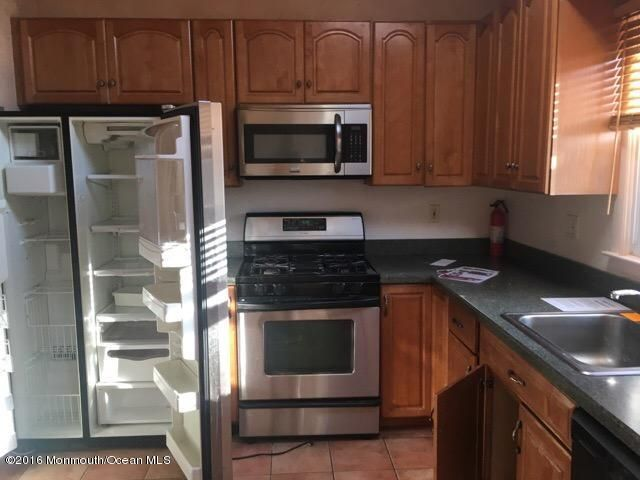 Additional photo for property listing at 26 Orchard Avenue  Holmdel, New Jersey 07733 États-Unis