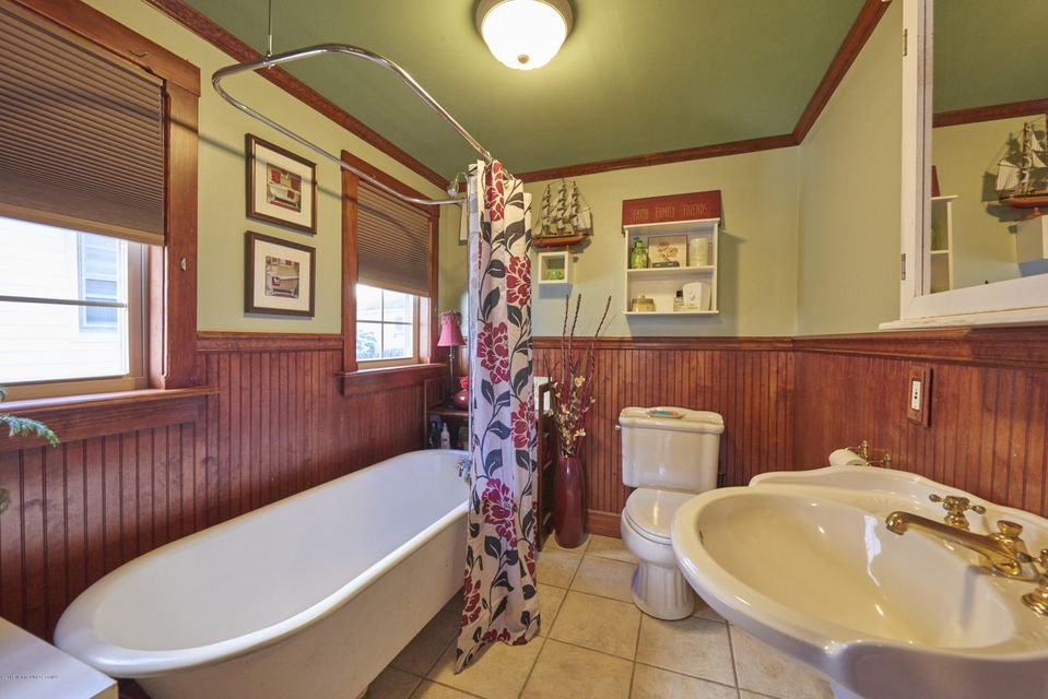 Additional photo for property listing at 111 Clark Avenue  Ocean Grove, New Jersey 07756 États-Unis