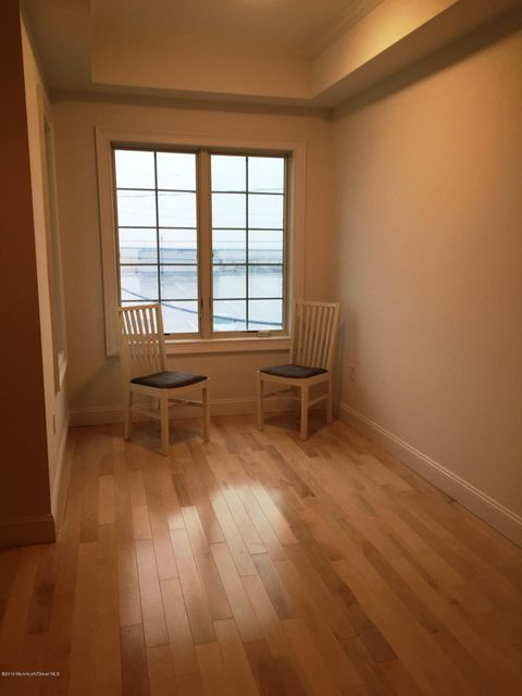 Additional photo for property listing at 1066 Ocean Avenue  Sea Bright, New Jersey 07760 États-Unis