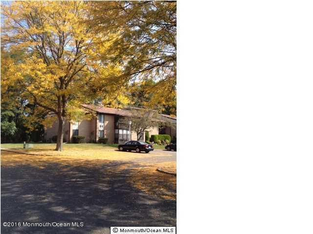 Additional photo for property listing at 31 Meadow Green Circle  Manalapan, Nueva Jersey 07726 Estados Unidos
