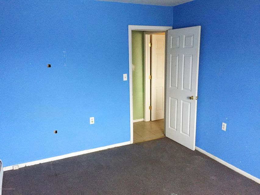 Additional photo for property listing at 20 Belleview Avenue  Keansburg, New Jersey 07734 United States