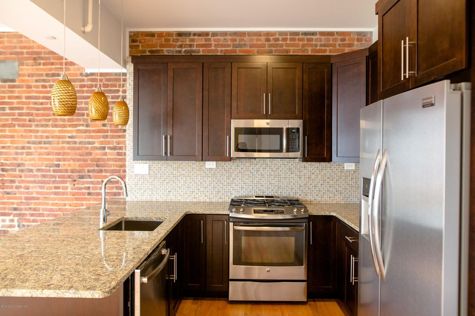 Additional photo for property listing at 209 Bond Street  Asbury Park, Nueva Jersey 07712 Estados Unidos