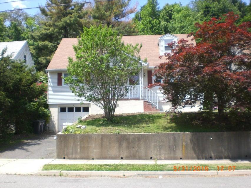 Maison unifamiliale pour l Vente à 31 Mountain Side Terrace Clifton, New Jersey 07013 États-Unis