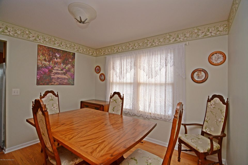 Additional photo for property listing at 11 Marlin Place  Red Bank, New Jersey 07701 United States