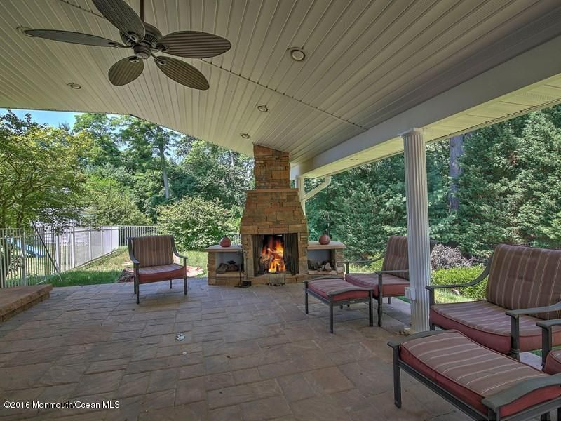 独户住宅 为 销售 在 10 Brandywine Court 纳拉潘市, 新泽西州 07726 美国