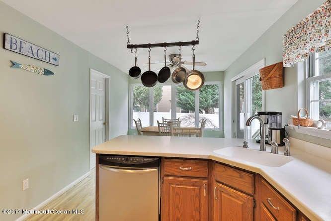 Additional photo for property listing at 292 Van Avenue  布里克, 新泽西州 08724 美国