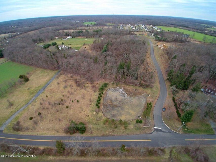 Additional photo for property listing at 1 Manor Drive  Cream Ridge, New Jersey 08514 États-Unis