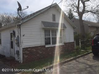 Maison unifamiliale pour l Vente à 126 Bay Avenue Island Heights, New Jersey 08732 États-Unis