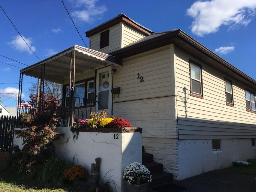 Maison unifamiliale pour l Vente à 12 Atlantic Avenue Middletown, New Jersey 07748 États-Unis