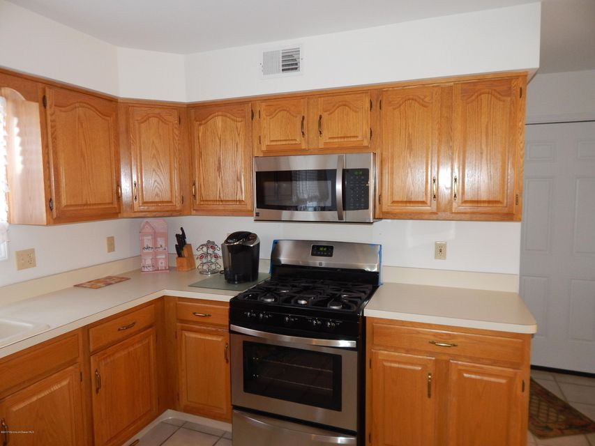 Additional photo for property listing at 124 Mapletree Road  Toms River, New Jersey 08753 United States
