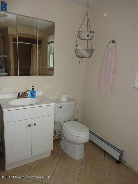 Additional photo for property listing at 118 Englewood Avenue  Barnegat, New Jersey 08005 États-Unis
