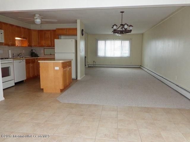 Additional photo for property listing at 118 Englewood Avenue  Barnegat, New Jersey 08005 United States