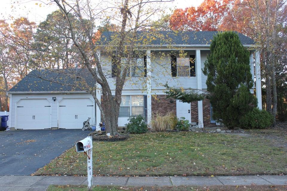Maison unifamiliale pour l Vente à 51 Oak Glen Road Toms River, New Jersey 08753 États-Unis