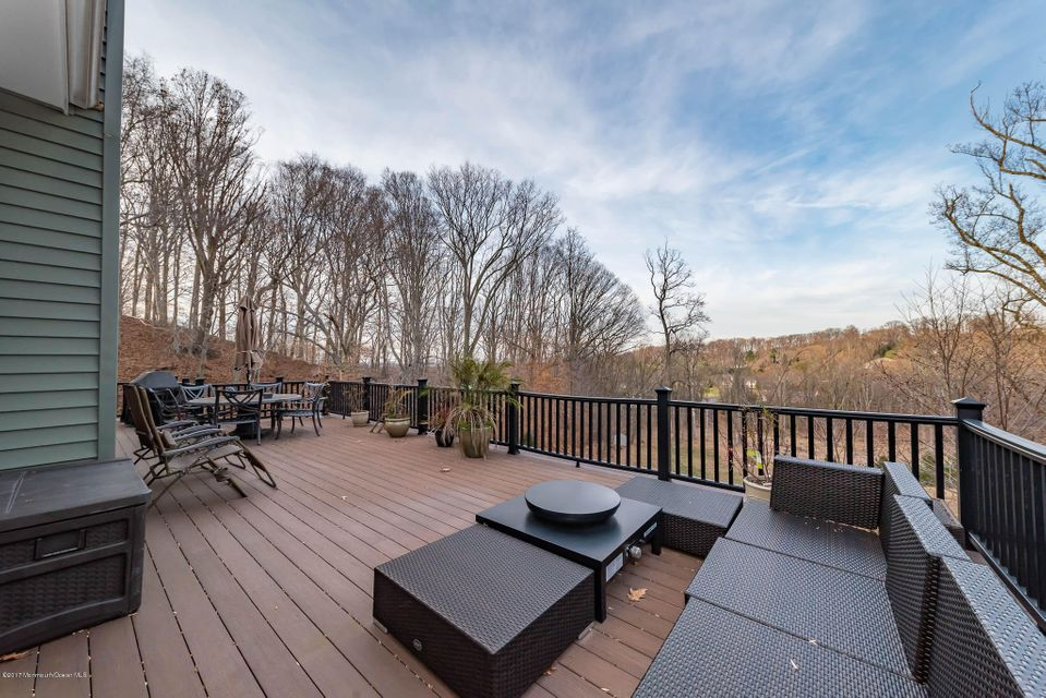 Additional photo for property listing at 15 Marion Drive  Holmdel, Nueva Jersey 07733 Estados Unidos