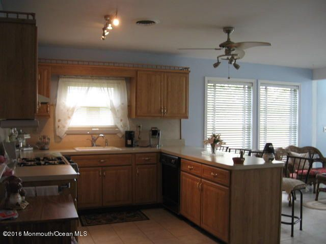Additional photo for property listing at 29 Bahamia Drive  Toms River, New Jersey 08757 United States
