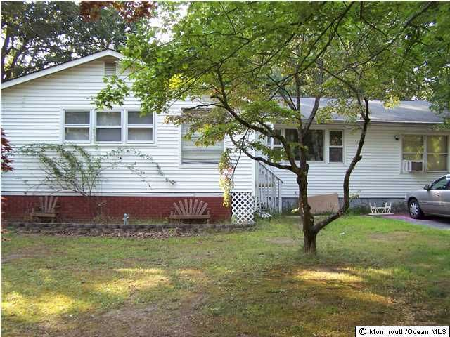 Additional photo for property listing at 226 Lenape Trail  Jackson, New Jersey 08527 États-Unis