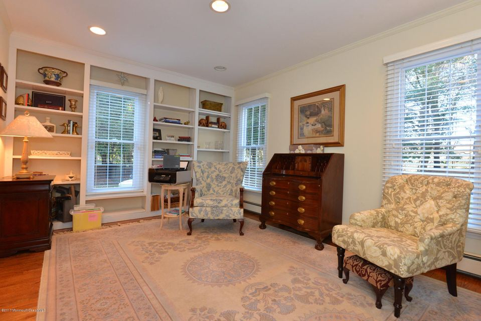 Additional photo for property listing at 104 Conover Road  Colts Neck, Nueva Jersey 07722 Estados Unidos