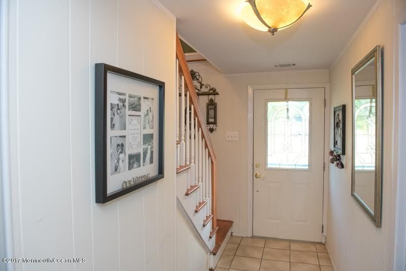 Additional photo for property listing at 6 Hawthorne Avenue  Manalapan, New Jersey 07726 États-Unis