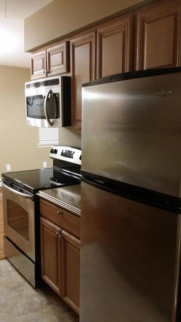 共管式独立产权公寓 为 出租 在 7 Windsor Terrace Freehold, 新泽西州 07728 美国