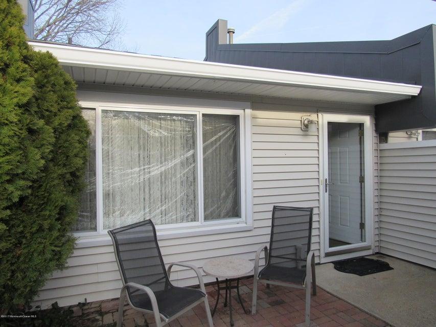 Condominio por un Alquiler en 60 Arlene Court Brick, Nueva Jersey 08724 Estados Unidos