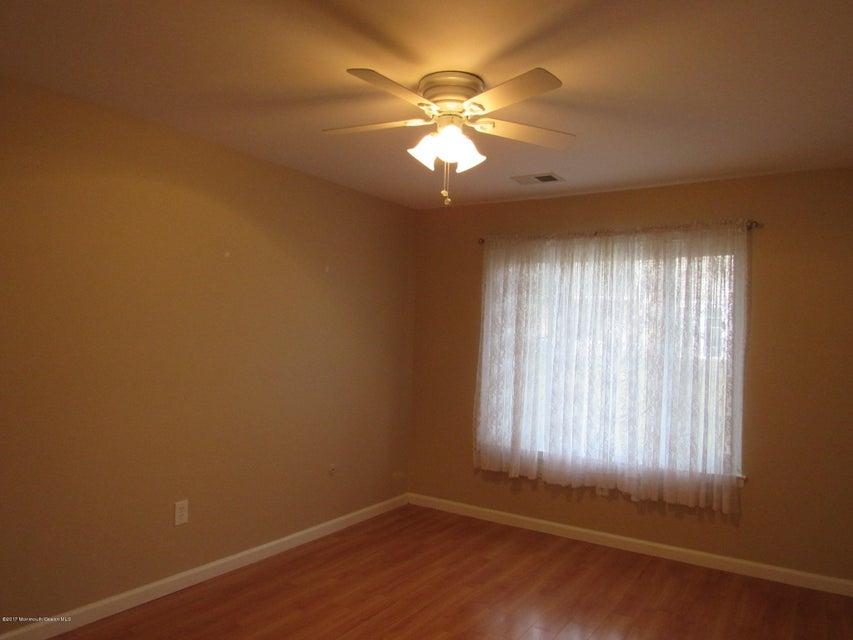 Additional photo for property listing at 60 Arlene Court  Brick, Nueva Jersey 08724 Estados Unidos