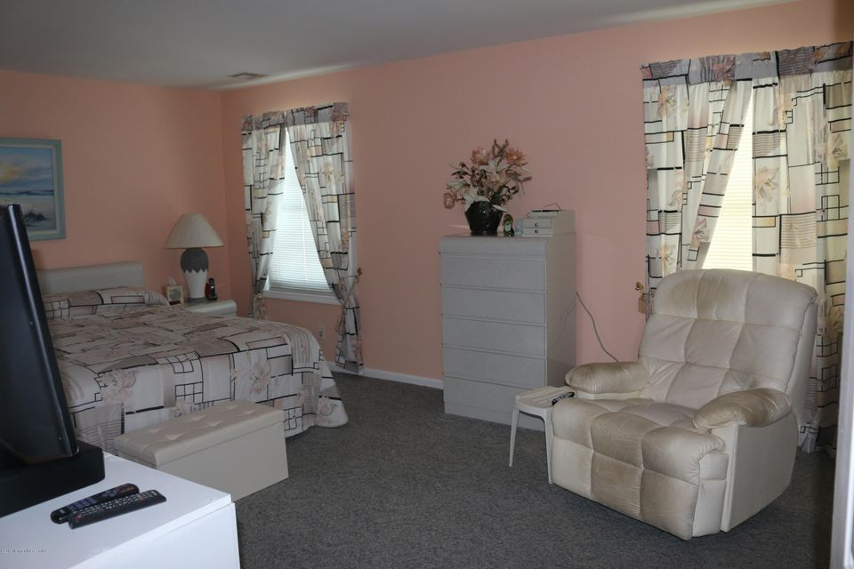 Additional photo for property listing at 1904 Baltimore Avenue  Ortley Beach, New Jersey 08751 États-Unis