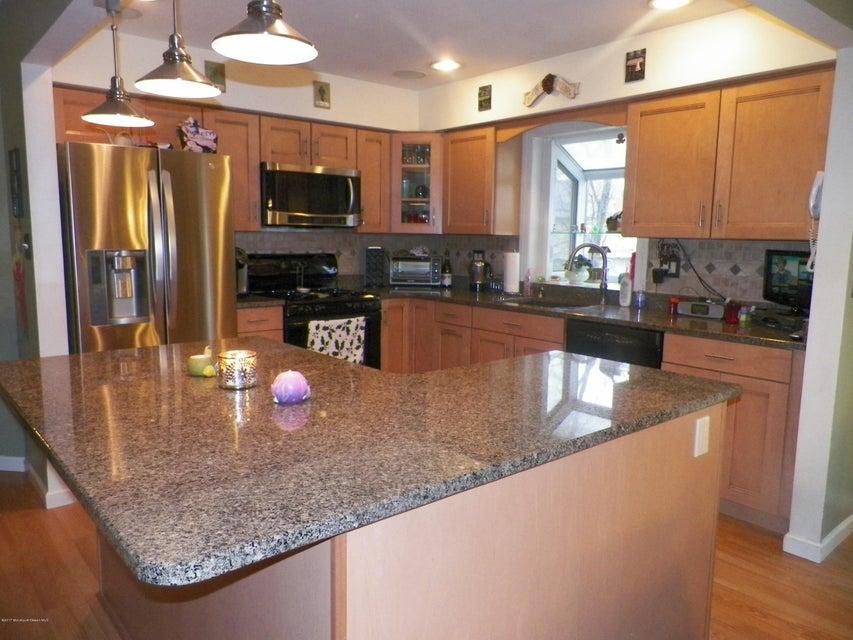 Woodline kitchen cabinets howell nj - For Sale