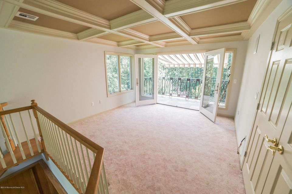 Additional photo for property listing at 1 Nolan Court  Atlantic Highlands, New Jersey 07716 États-Unis
