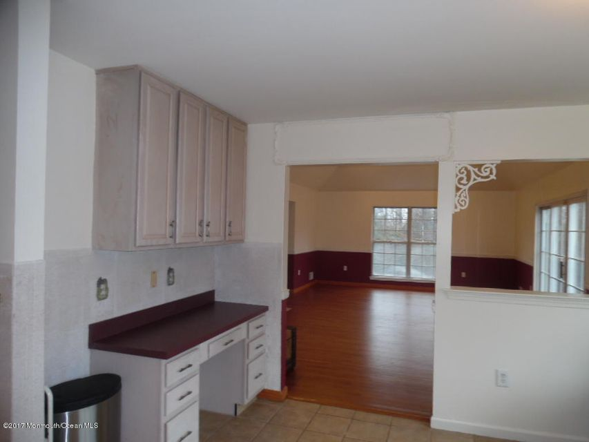 Additional photo for property listing at 5 Rue Court  Millstone, New Jersey 08535 United States